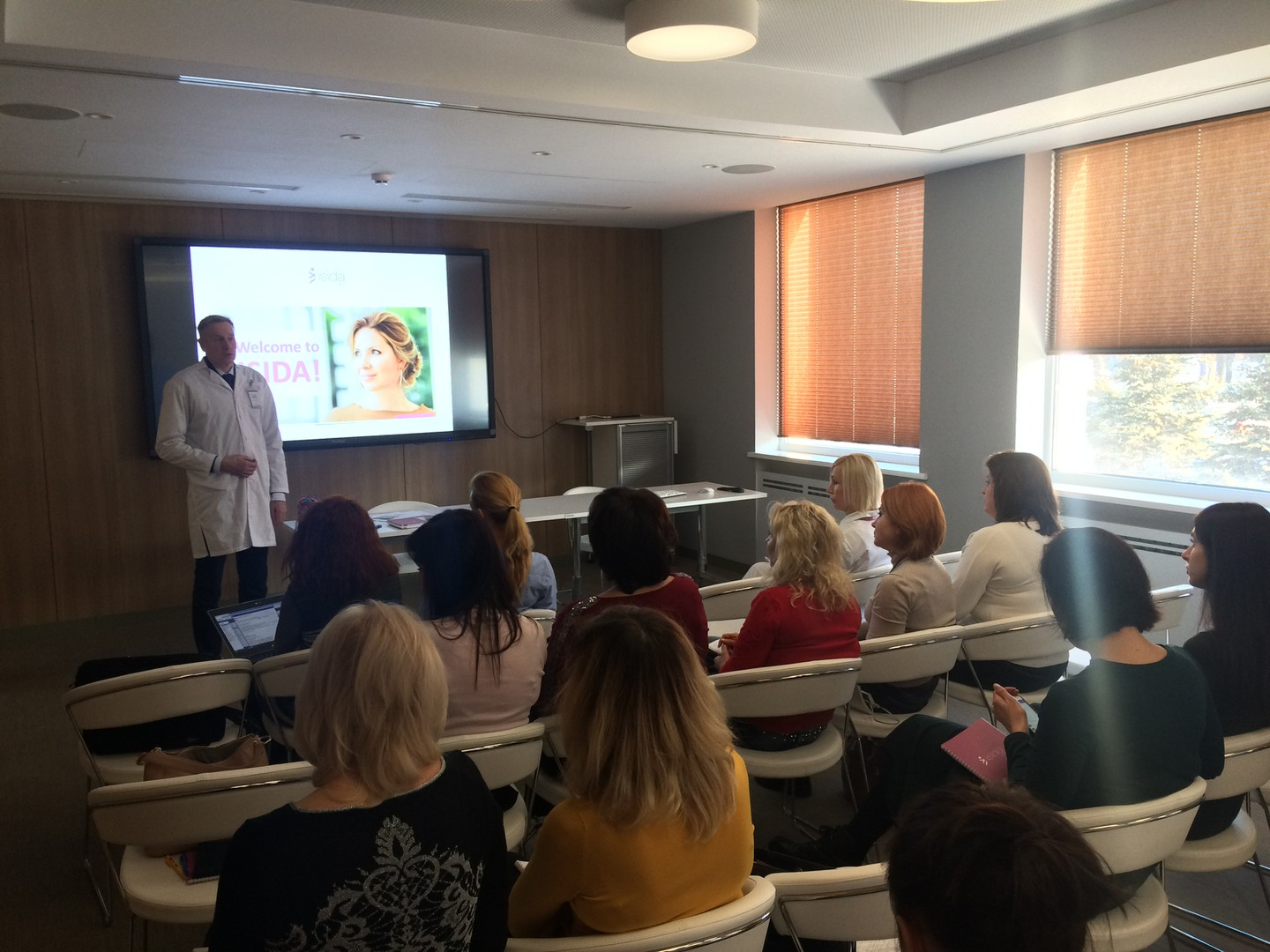 "ISIDA clinic doctors held a workshop ""Implantation"""